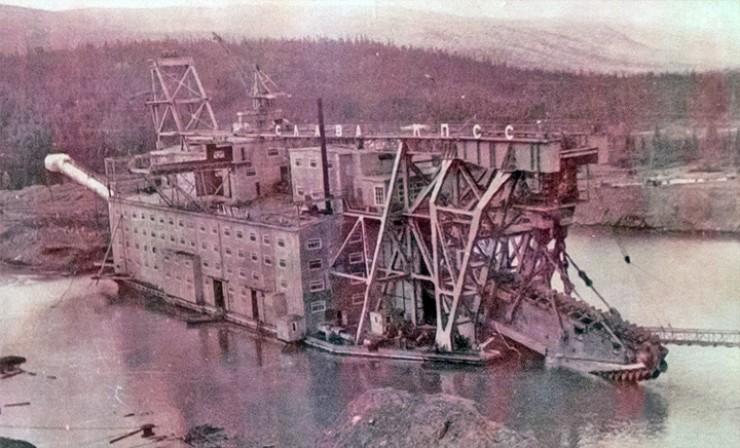 601-я, самая большая в мире, речная драга затонула в 1992-м, прослужив 23 года