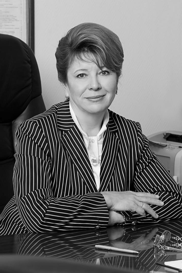Людмила Берлина запомнилась как порядочный, целеустремленный политик. Многие устьордынцы пришли почтить ее память.