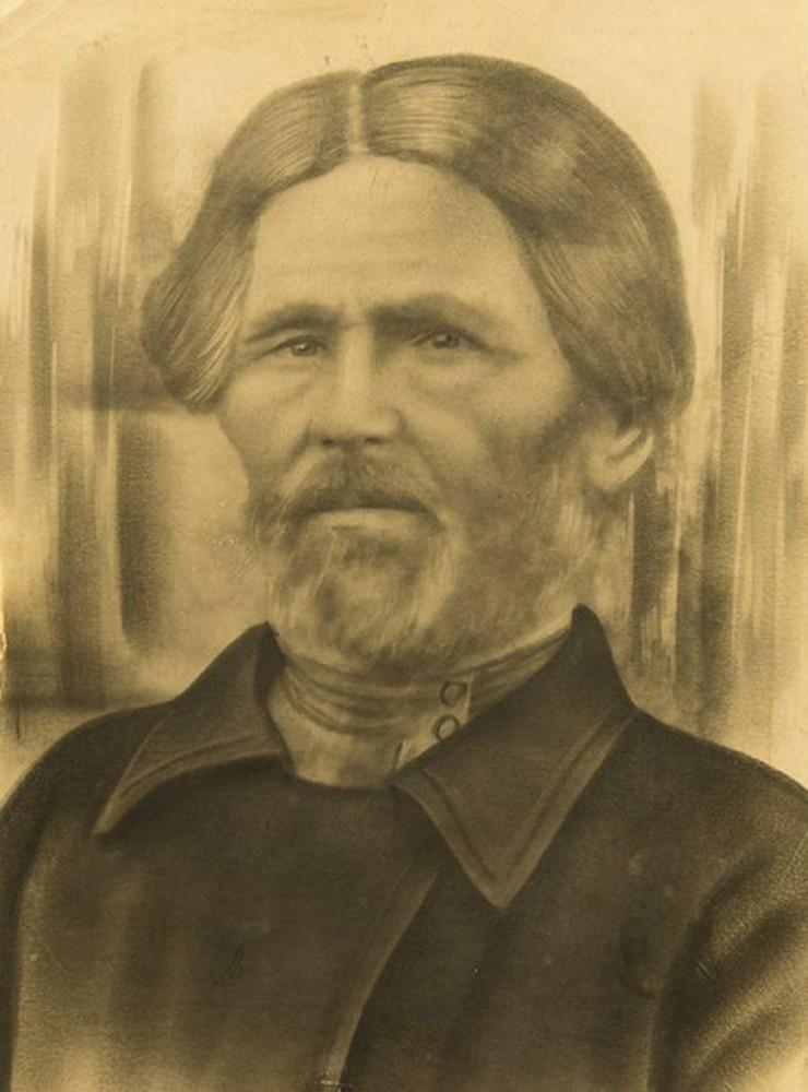 Прадед по линии матери Куприян Прокопьевич Иванов жил в Забайкалье, работал извозчиком, имел табун лошадей. Он был женат, овдовел и взял в жены 17-летнюю Марию. Им удалось родить 21 ребенка, но из-за большой смертности выжило лишь трое детей