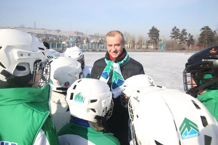 На открытии турнира юных хоккеистов поприветствовал губернатор Иркутской области Сергей Левченко
