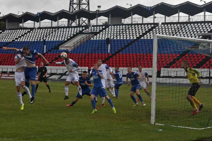 Через мгновение мяч от головы Дмитрия Пытлева влетит в сетку ворот клуба из Коломны