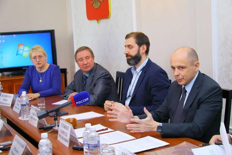 Председатель Законодательного Собрания региона Сергей Сокол: «Важно не допустить, чтобы дополнительная нагрузка на бизнес была переложена на население».