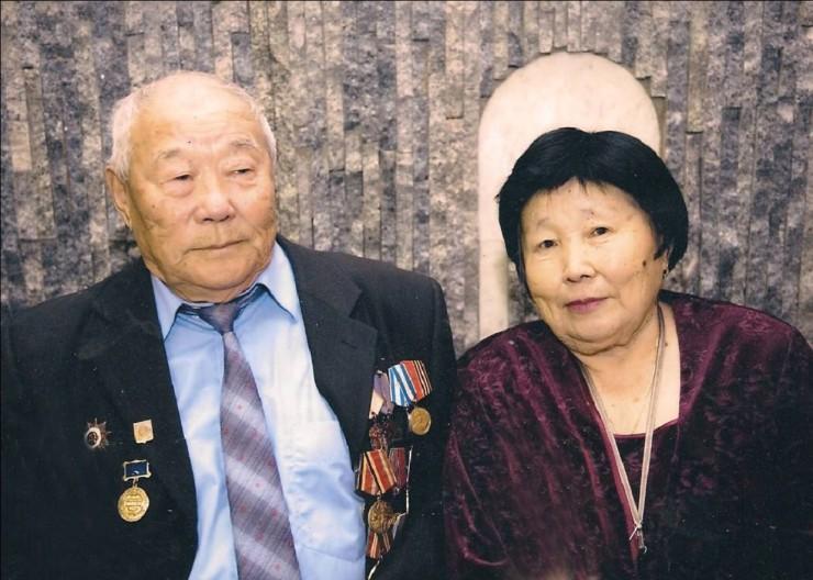Иван Владимирович Бутуханов с женой Марией  Максимовной