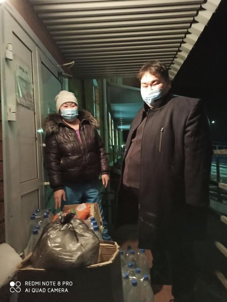 Александр Мантатов организовал сбор дляБаяндаевской больницы, которая нуждается вдополнительных средствах защиты для медработников и средствах гигиены для пациентов