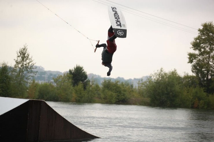 Спортсмены выписывали такие трюки, что казалось, они неподвластны гравитации.