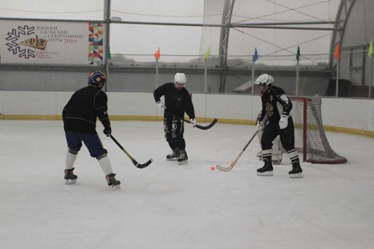 В теплом зале и в хоккей играть в разы приятнее.