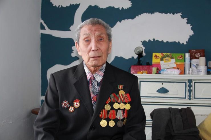 Константин Михеевич Николаев скоро отметит 90-летний юбилей. Ветеран окружен заботой  многочисленных детей, внуков и правнуков.