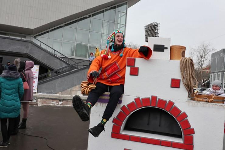 Русская печь и Емеля пользовались популярностью у желающих сделать фото на память