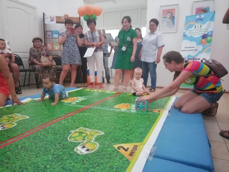 В поселке планируют сделать «Забег в ползунках» традиционным. Это веселый праздник и для родителей, и для малышей.