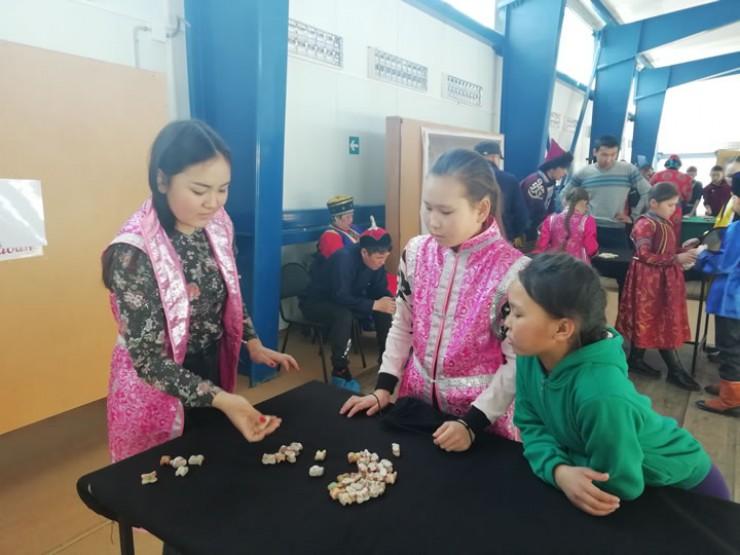 В Осе соревнования шли по трем видам  национальной игры шагай наадан: шагай няhалалга, табан яhан, шуурэлгэ