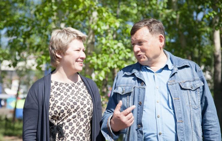 Борис Алексеев и Марина Седых — у депутатов Законодательного Собрания от северных регионов всегда есть темы для обсуждения.