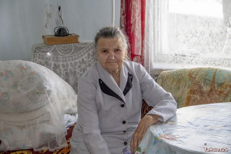 «Благодаря принципиальной позиции прокуратуры решение суда исполнено. Администрация Бирюсинска приобрела ветерану войны Ольге Степановой благоустроенную квартиру», — сообщается в релизе прокуратуры Иркутской области.