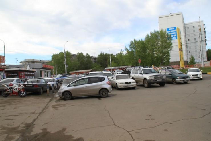 В акции автомобилистов на заправке «Роснефти» приняло участие примерно 20—30 водителей. Могло быть и больше, отмечают организаторы. «Мы полностью блокировали въезд на заправку; все понимают, что это незаконно, поэтому многие, кто нас поддерживает, не приехали».