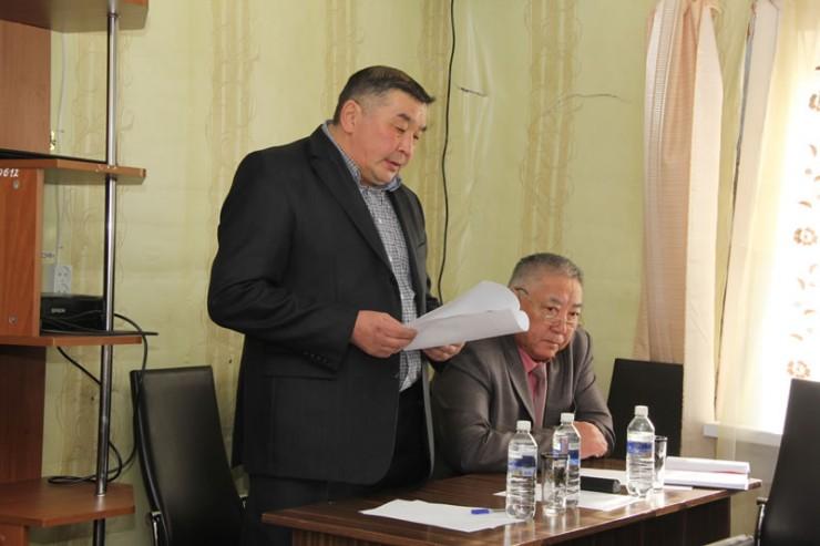 Мэр Баяндаевского района Анатолий Табинаев отметил хорошую работу главы муниципального образования Германа Емнуева