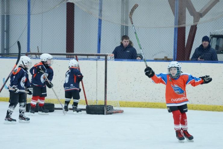 Этот гол — один из первых родители юного хоккеиста будут вспоминать еще долго.