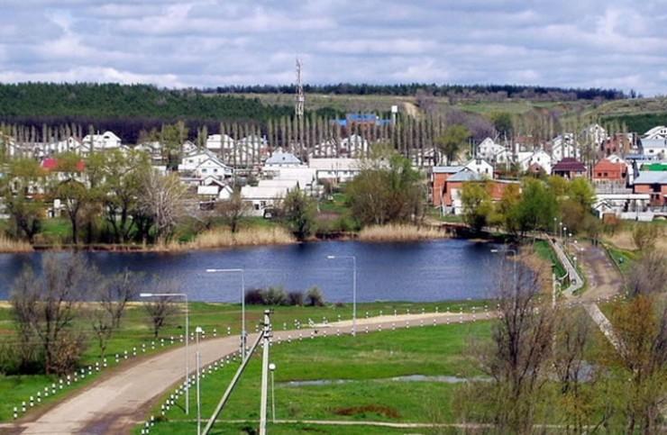 Котово — небольшой город в Волгоградской области, расположенный на реке Малой Казанке, в 228 км к северу от областного центра.