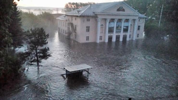 Июнь-июль 2019. Центр города Нижнеудинска после затопления