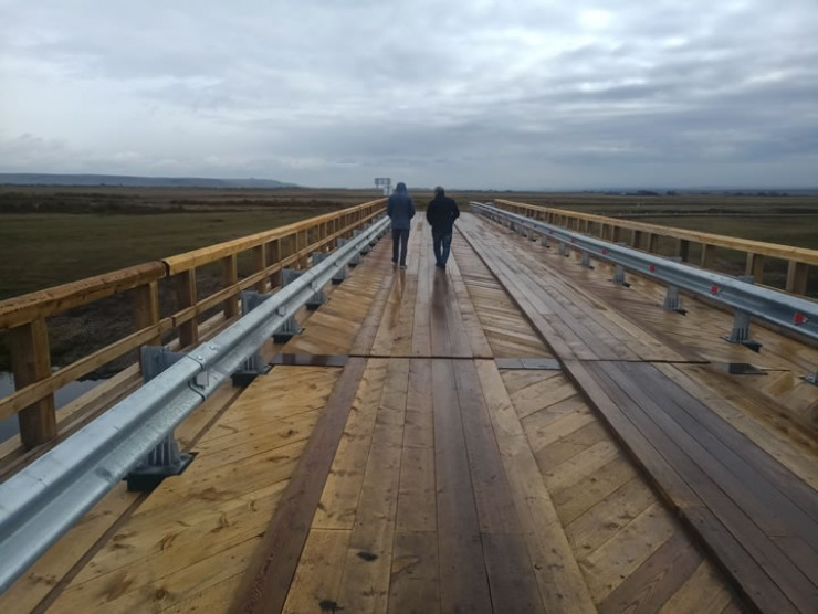 Новый мост через реку Куду выдерживает 60 тонн.