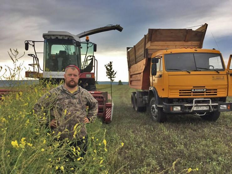 Главного агронома хозяйства Павла Хмелева борцы с черными лесорубами вдруг назначили главарем организованной преступной группы, ворующей лес. И арестовали. В самый разгар посевной…