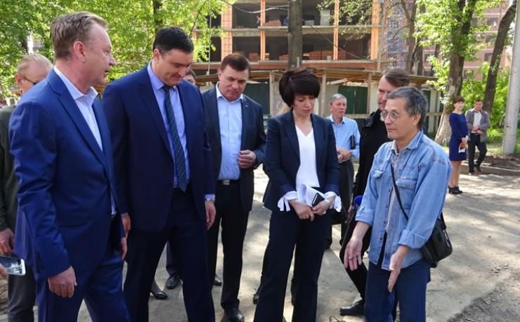 Председатель правительства Иркутской области Руслан Болотов: «Деньги на дороги есть. Теперь нужно реализовать их так, чтобы не было стыдно за качество!»