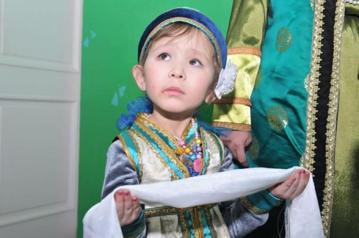 Главное в межнациональных браках, по словам шамана, —это передать детям накопленные предками знания