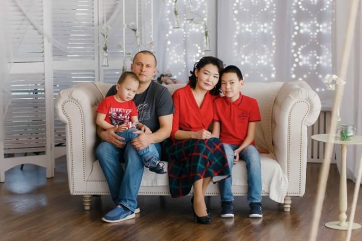 Фермеры Николай и его супруга Марина воспитывают двух прекрасных сыновей: 11-летнего Данила и 4-летнего Льва.