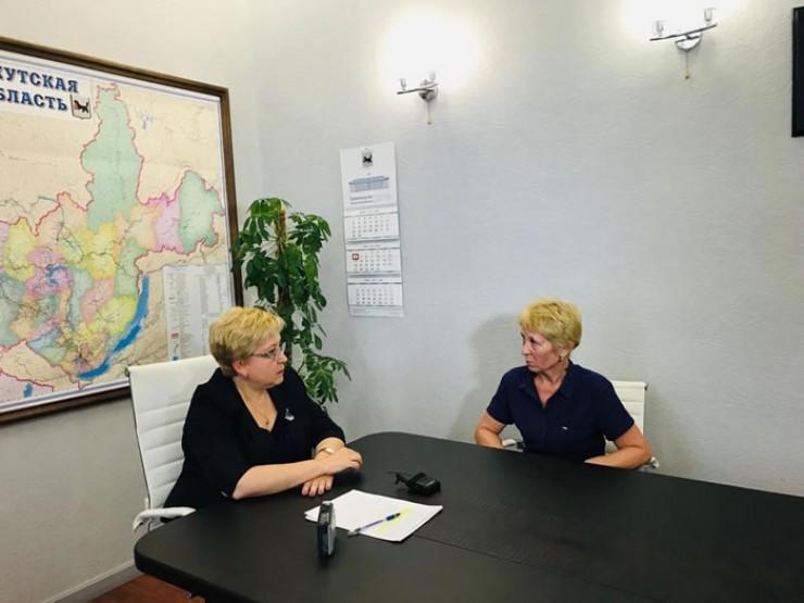 Министр образования Иркутской области Валентина Перегудова (слева) встретилась с Натальей Агафоновой