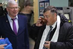 Анатолия Прокопьева угощали белой пищей
