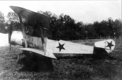 Самолет «Сопвич», построенный на российском заводе «Дукс», — один из самых массовых в период Гражданской войны. Вообще, этот самолет, известный отличной маневренностью, разработан в Британии.