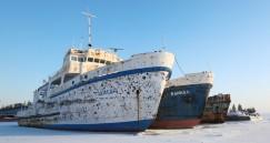 Одни из первых круизных катеров на озере — «Зайсан» и «Байкал».