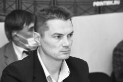 Депутат Законодательного собрания Иркутской области от КПРФ Анатолий Обухов отметил: похоже на то, что этим законом готовится расчищение территории от жителей под интересы олигархов.