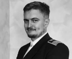 Второй пилот Николай Махнутин