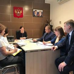 Вместе со специалистами министерства сельского хозяйства РФ общественное объединение «Проект «Крестьянин» решает проблемы средних и мелких сельхозпроизводителей.