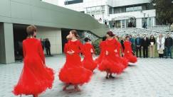 Во время открытия мероприятия яркие выступления показалиучастницыкультурно-досуговогоклуба «Любимовка»