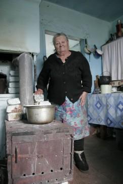 Старейшая жительница посёлка Песчаная Екатерина Карнопольцева