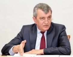 «Злой Меняйло» — так в ряде иркутских сетевых СМИ охарактеризовали настроение полпреда президента после его посещения на прошлой неделе строительных площадок в Тулуне.