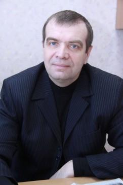 Юрист Владимир Ковалев подтверждает: с правовой точки зрения позиция постояльцев общежития абсолютно верная. Оснований для их переселения в помещения маневренного фонда нет, люди имеют право на предоставление жилья по договору социального найма.