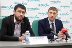 Директор ФГБУ «Заповедное Прибайкалье» Умар Рамазанов (справа)  и его заместитель Денис Банщиков