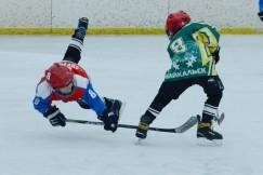 Для детей соревнования важны и тем, что начинающие спортсмены должны почувствовать и соперничество и товарищеское чувство локтя.