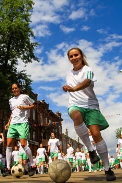 Тематика нынешнего карнавала была связана с тезисом «Иркутск — город спортивный». Креатива традиционно было много, причем не всегда связанного со спортом.