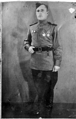 Полный кавалер орденов Славы гвардии старший сержант Кайгородцев Василий Степанович