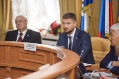 Евгений Стекачев, председатель Думы Иркутска: «Приходилось постоянно искать возможность хоть как-то помочь людям, но наши руки были связаны требованиями закона. Сейчас эта проблема решена».